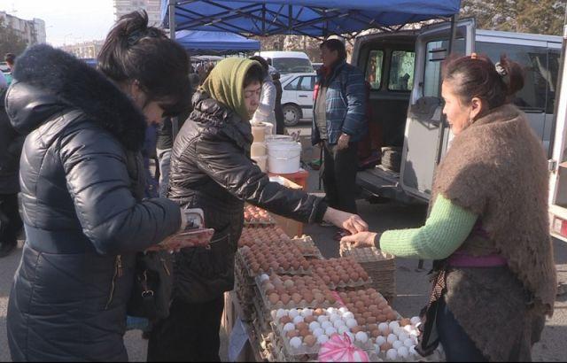Субботняя ярмарка на площади Аль-Фараби порадовала шымкентцев ценами