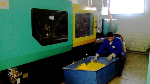 Пока, первый в Южном Казахстане завод по изготовлению игрушек обеспечил работой 6 человек