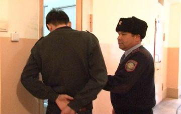 В Сарыагаше задержан таксист, ограбивший пассажира