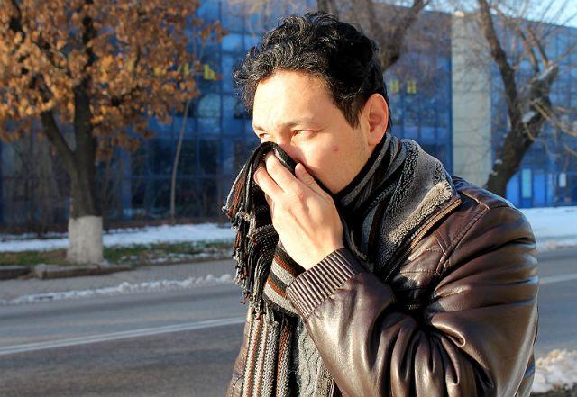 В минувшие выходные шымкентцы почувствовали едкий запах в воздухе