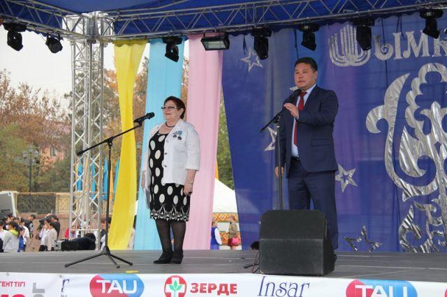 Бахадыр Нарымбетов и Валентина Куликова