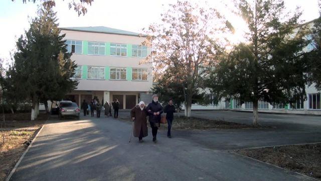 Новогодний подарок ученикам школы-гимназии № 46
