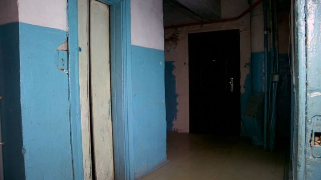 Все лифты в Шымкенте требуют замены или ремонта. Страшный подъезд