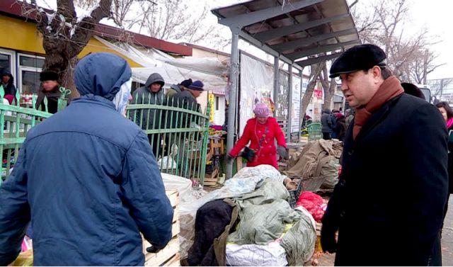 В Шымкенте снова начали борьбу со стихийной торговлей