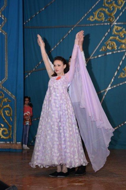 дети специально подбирали костюмы, соответствующие торжественности мероприятия
