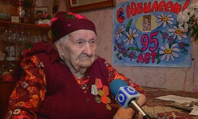 Екатерина Константиновна верит, что в юбилейный год Победы, городские власти уделят ей хоть немного своего драгоценного времени