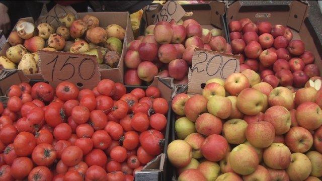 Редкий для нынешних времён демократизм демонстрируют цены на помидоры и яблоки