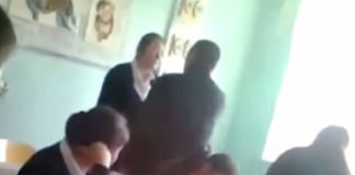В Толебийском районе ЮКО учитель попытался поцеловать школьницу на уроке