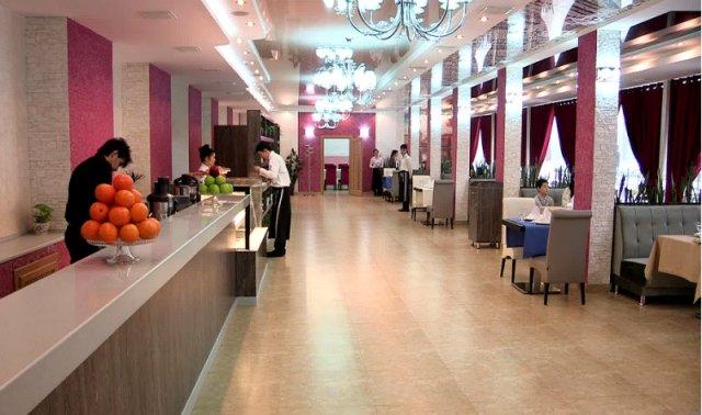 """Переступив порог, посетители ресторана""""Avenue""""сразу попадают в царство стиля и изысканности."""
