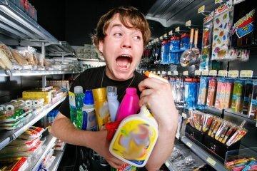 Если вы случайно сломали или разбили товар, всю ответственность будет нести магазин...