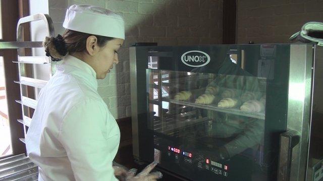 """Предприятие """"La Tartine"""" работает как магазин-пекарня-кафетерий"""