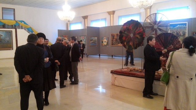 Специально к 550-летию Казахского ханства, в музее изобразительного искусства, открылась выставка работ областных художников
