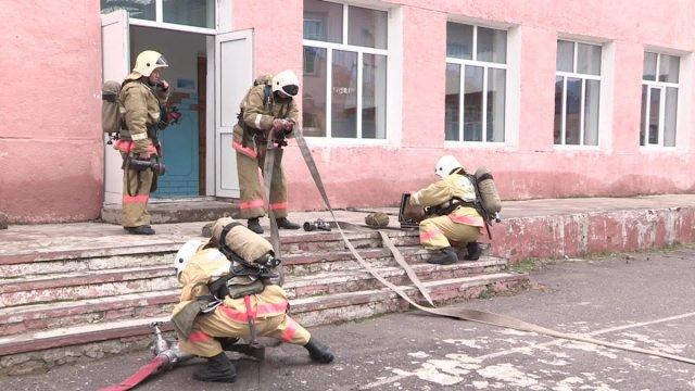 """Правила поведения при пожаре ученики школы № 34 усвоили на """"отлично"""""""