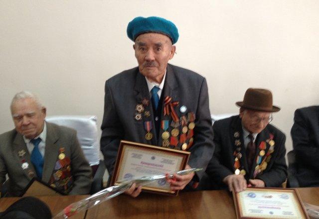 Пока сертификаты получили всего 10 героев войны, но до 9 мая ими обеспечат 192 ветерана Великой отечественной войны
