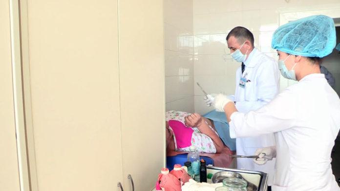 В Шымкенте впервые проведена резекция прямой кишки с помощью лапароскопии