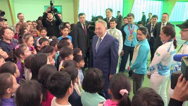 Нурсултан Назарбаев посетил Южно-Казахстанскую область
