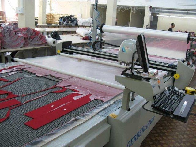На фабрике установлено современное оборудование, которое постоянно модернизируется