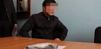 В Шымкенте задержаны подростки с оружием