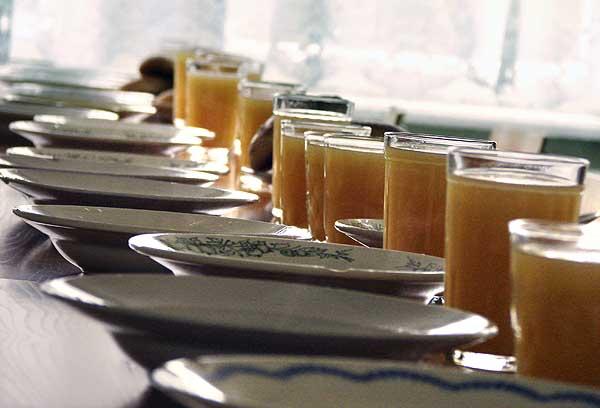 В некоторых школах Шымкента нет горячего питания