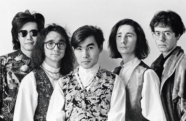 """В 1988 году артист стал фронтменом созданной им и его друзьями группы """"А-Студио"""""""