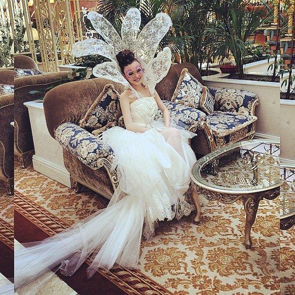 Свадебный макияж создавался в соответствии с последними тенденциями моды