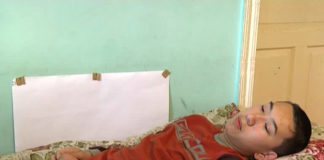 В Шымкенте после прививки от кори подросток не может передвигаться