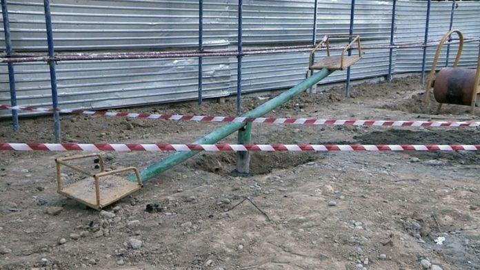В Шымкенте сносят детские площадки из-за строительства дорогого жилого комплекса