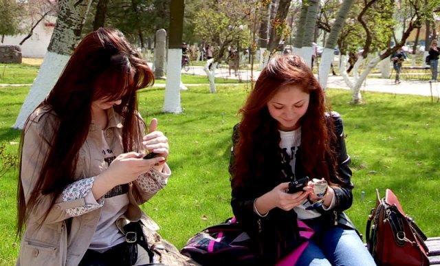В шымкентских парках снова заработал бесплатный интернет
