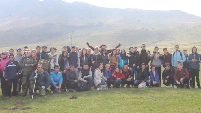 Молодежь Шымкента отправилась покорять вершину Казыгурт