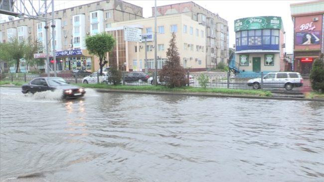 Ливневый дождь в Шымкенте затопил полгорода