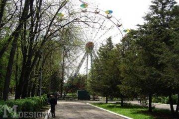Колесо обозрения в парке Абая (50 лет Октября)