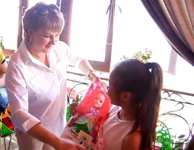 Дети получили подарки от благотворительного фонда имени К. Турисбекова