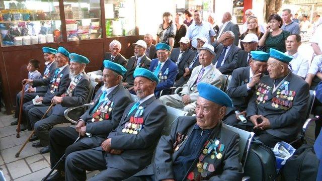 Из Шымкента ветераны уезжают на торжества ко Дню Победы в Астану