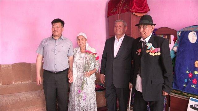 Сотрудники ТОО «Green Bus Company» отправились с подарками к ветеранам