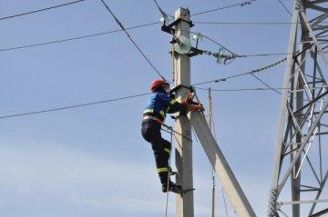 Ремонт линии электропередачи в Шымкенте
