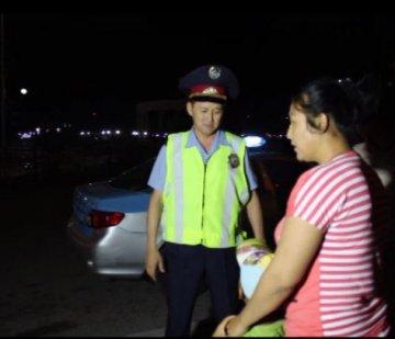 В Шымкенте полицейские вернули матери потерявшегося ребенка