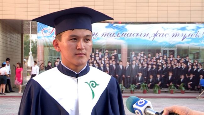 В Шымкенте выпускники НИШ победили в конкурсе сочинений