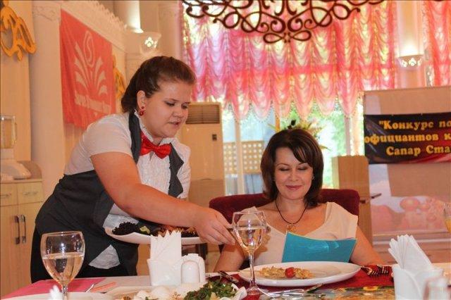 Привествовалась не просто оригинальная подача, но и презентация блюда от официанта заведения