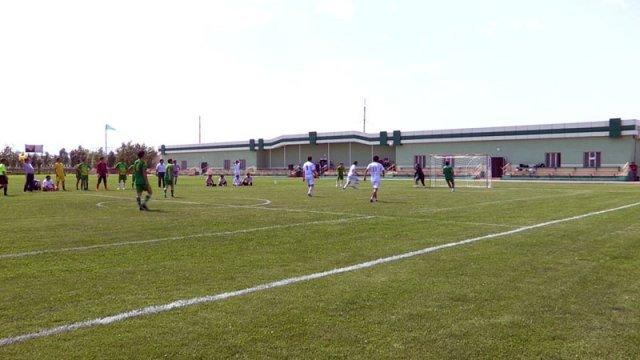 Представители коммунальных служб сыграли товарищеский матч по футболу