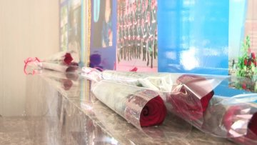 Сотрудники управления ССО ЮКО возложили цветы к памятнику погибшим при исполнении служебного долга