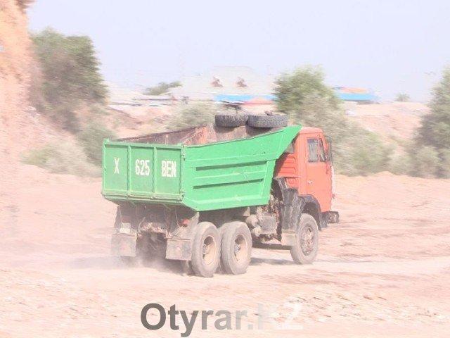 Незаконная добыча гравия на реке Бадам в Шымкенте может привести к катастрофе