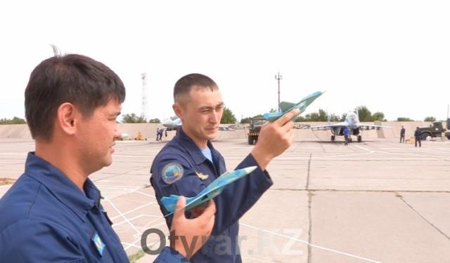 Летчики из Казахстана отправились на международный конкурс «Авиадартс-2015»