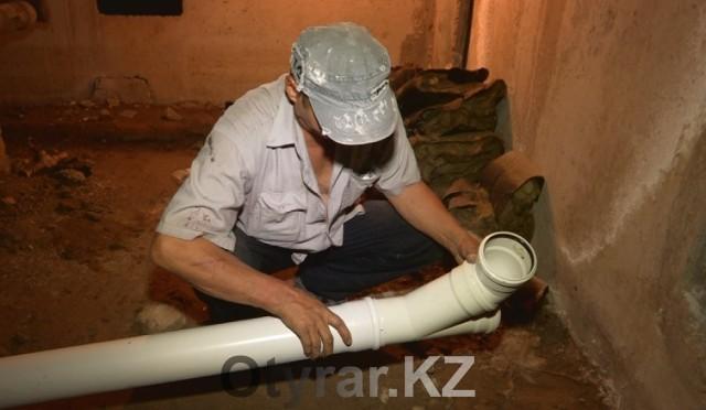 За два месяца ремонтных работ подрядная организация поменяла крышу, отремонтировала подвал, заменила трубы