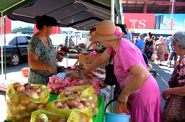 На ярмарке в честь Дня Астаны горожане не нашли сезонные фрукты и ягоды