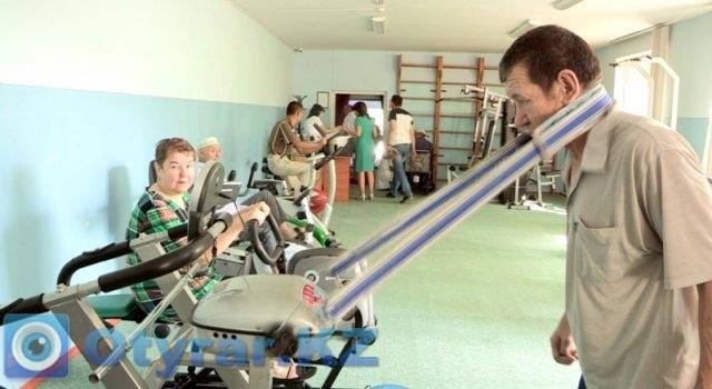 В центре оборудован тренажерный зал для  постояльцев. Под наблюдением тренера проводятся различные физ упражнения