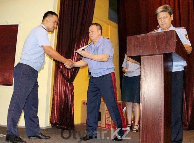 За мужество и героизм в Шымкенте наградили полицейских