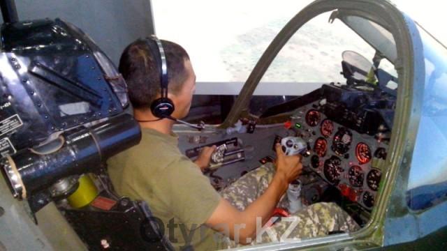Имитатор является точной копией самолета СУ-25