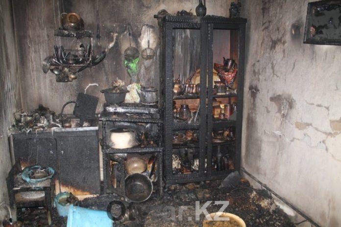 В Шымкенте при пожаре в доме пострадала вся семья