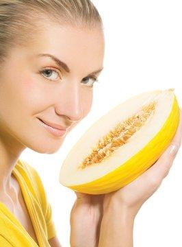 Хорошая дыня – самое настоящее хранилище различных полезных веществ, от витаминов и активных соединений меда до мелких частиц усвояемого золота!