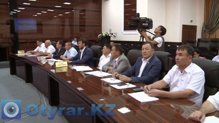 На сессии областного маслихата распределили три миллиарда тенге